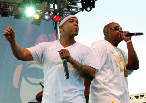 Tag Team: Styles P & Jadakiss VS. Fans (Almost)
