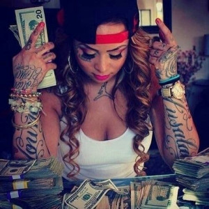 Bad bitch with tattoos & money