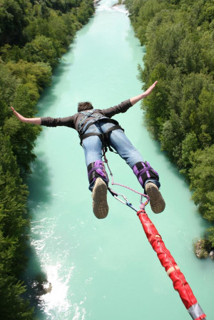 BUNGEE JUMPING AND ROPE JUMPING IN UKRAINE