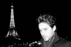 Cette fois, Jared Leto fait l'idiot à Paris !! ^.^