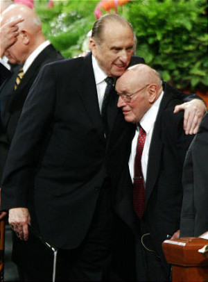 Elder Joseph B. Wirthlin speaks at General Conference on Oct. 4, 2008.