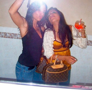 Ever Wondered What Drunk Girls Do in the Bathroom? (74 pics)