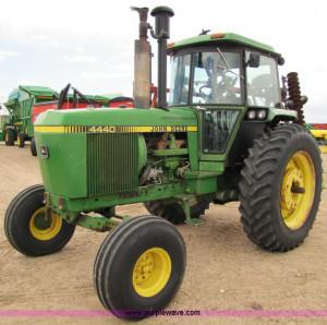 JPG - 1982 John Deere 4440 tractor , 2876 hours on meter , John Deere ...