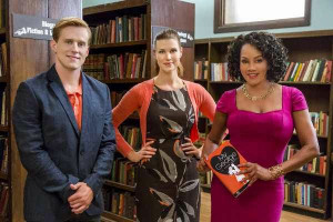 Looking for Mr. Right premieres Saturday, June 7 on Hallmark Channel.