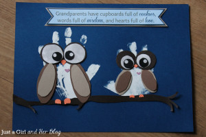 DIY Owl Handprint Art {The Perfect Gift for Grandparents!}