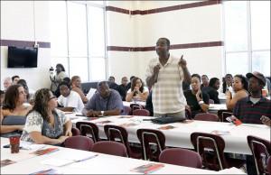 Deacon Zettie Williams, center, a former gang member from Brooklyn ...
