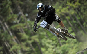 Downhill biking Wallpapers Pictures Photos Images