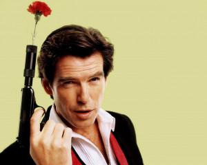 James Bond tiene un punto gay...