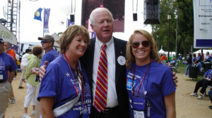 . Saxby Chambliss (R-GA) with two women. Photo: Sen. Saxby Chambliss ...