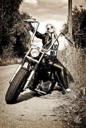 Features That Enhance The Stand-Out Appeal Of Biker Jackets For Women
