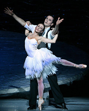 ... , and Robert Curran as Prince Siegfriedin Graeme Murphy's Swan Lake