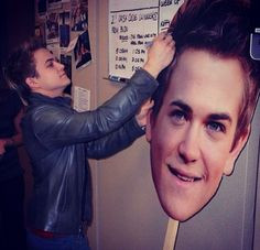 hunter hayes signing his head more head funny hunters easton hayes ...