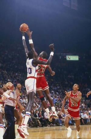 Manute Bol Vs Michael Jordan. 7'7