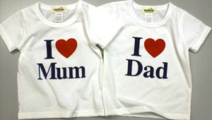 OSHKOSH+-I+LOVE+MOM-DAD+(3-6M,6-9M,+12M+-UNISEX).jpg