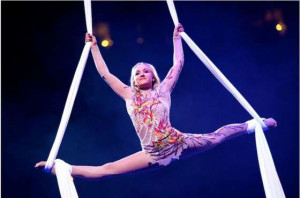 Nastia Liukin – Performing-03