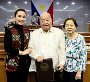 ... : Senator Loren Legarda honors National Artist Francisco Sionil Jose