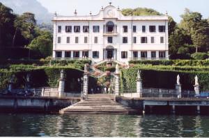 http://www.sitecreative.com/gallery/misc/White-mansion.jpg