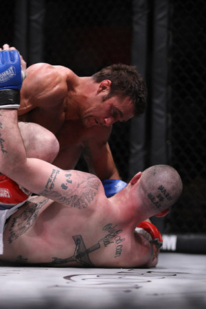 Phil Baroni red gloves vs Nick Nolte
