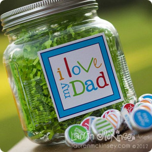 love my dad candy jar for father's day with matching kiss stickers!