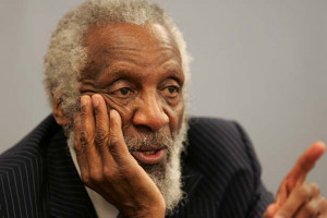 Dick Gregory talks to students