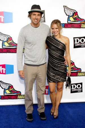 in hollywood 2 in this photo kristen bell dax shepard dax shepard and