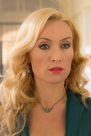 Victoria Smurfit (Lady Jane Wetherby) looking stunning in episode 3 of ...