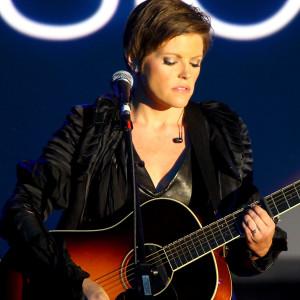 Natalie Maines Performing