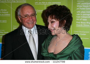 Stewart Resnick and Lynda Resnick at the UFC 39 S 2007 Brass Ring ...