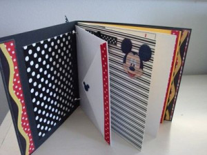 22.49 Disney Scrapbook Mini Album with Mickey Mouse Family by ...