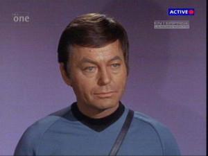 500px-DeForest_Kelly_(tvs_-_Star_Trek_Original)_-_Dr_Leonard_McCoy.jpg