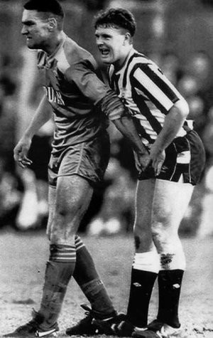 Vinnie Jones vs. Paul Gascoigne