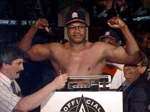 Larry Holmes Loves Manny Pacquiao, Hates Floyd Mayweather Jr.