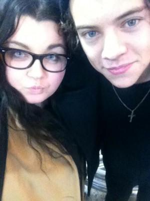 Harry+Styles+Harry+Styles+Fans+Twitter+Pics+L1-Hn10Qz0Hx.jpg