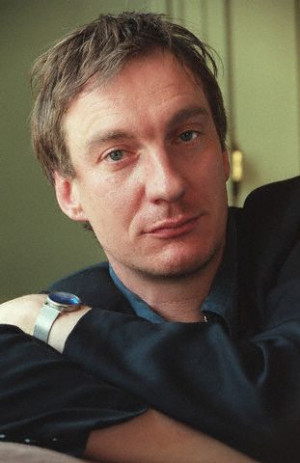 height 6 4 1 93 m mini biography david thewlis was born david wheeler ...