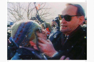 Jean Chretien applies 'Shawinigan handshake' to Don Cherry on beer ...