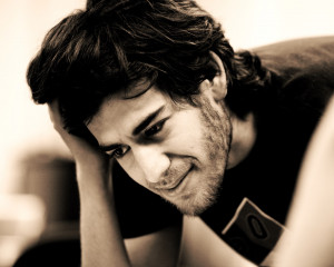 Image Source: MaverPix) Aaron Swartz was found dead in his apartment ...