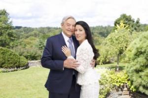 Në foto: George Soros dhe Tamiko Bolton dëshmojnë si po përgatiten ...