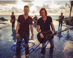 ... -GEORGIA-LINE-signed-autographed-photo-BRIAN-KELLEY-TYLER-HUBBARD-1