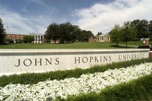 ... Johns Hopkins University, con i professori Joel Bader e Jef Boeke