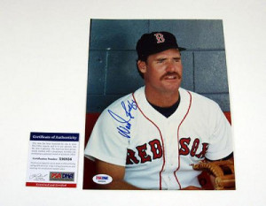Wade Boggs Signed Picture 8 x 10 Red Sox PSA DNA DA010349