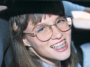 800x600x16m 70204 bytes girl with glasses and braces bracesa1 jpg