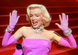 Description Marilyn Monroe in Gentlemen Prefer Blondes trailer.jpg