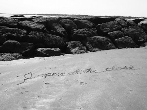 Then Cris started writing quotes in the sand: