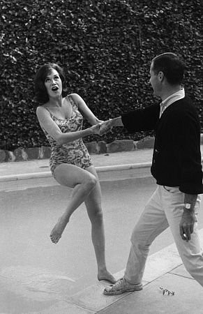 Mary Tyler Moore at home with husband Grant Tinker, c. 1965