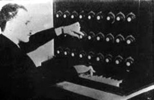 Leon Termen and his Theremin-Harmonium. New York 1920.: Tube Synthesi