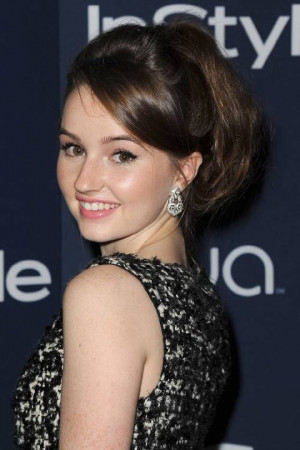 ... names kaitlyn dever kaitlyn dever at 2014 wb instyle golden globes