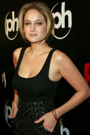 Leelee Sobieski Hot Body...