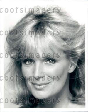 Linda Evans Born November