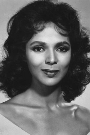 Before Halle Berry there was Dorothy Dandridge...the FIRST black woman ...