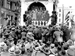 Australia_WW1_propaganda_YES_Hughes.jpg